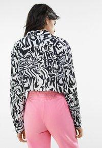 Bershka - Button-down blouse - dark grey - 2