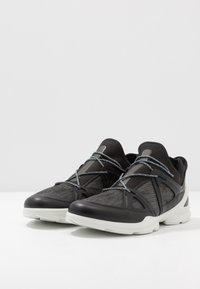 ECCO - BIOM STREET - Zapatillas de senderismo - black/dark shadow/wild dove - 4