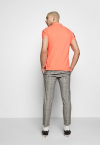 Superdry - CLASSIC SUPERSTATE - Polo - cabana coral grit - 2