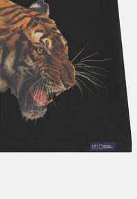 GAP - BOY NATIONAL GEOGRAPHIC TIGER - T-shirt print - true black - 2