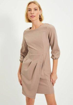 Shift dress - beige
