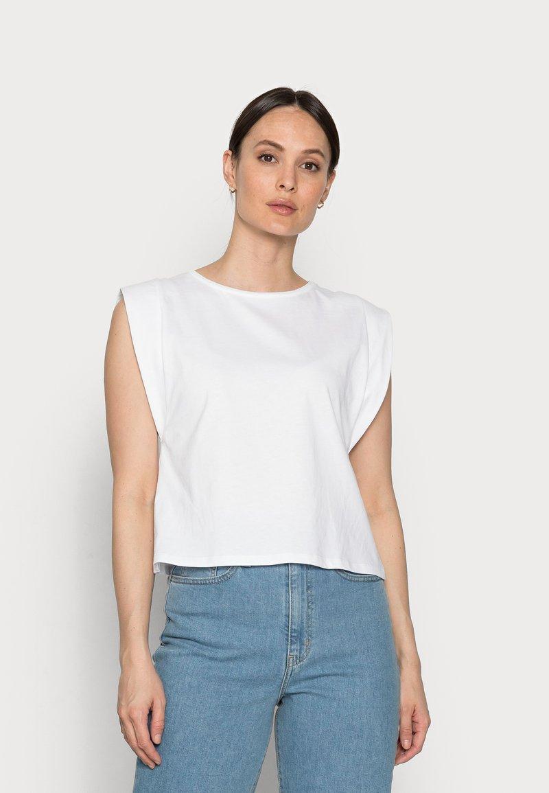 Rich & Royal - T-shirts - white