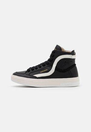 BASKET LUX TRAINER - High-top trainers - black/white