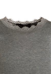 Rosemunde - SILK-MIX T-SHIRT REGULAR LS W/LACE - Top sdlouhým rukávem - light grey melange - 2