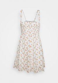 Abercrombie & Fitch - SMOCKED BABYDOLL SHORT DRESS - Kjole - white - 0