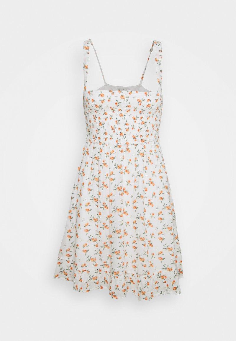 Abercrombie & Fitch - SMOCKED BABYDOLL SHORT DRESS - Kjole - white
