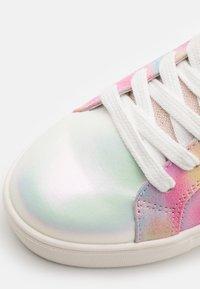 Steve Madden - JKAYDEN - Sneakers laag - multicolor - 5