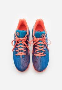 Kempa - ATTACK ONE 2.0 - Indoorskor - blue/flou red - 3