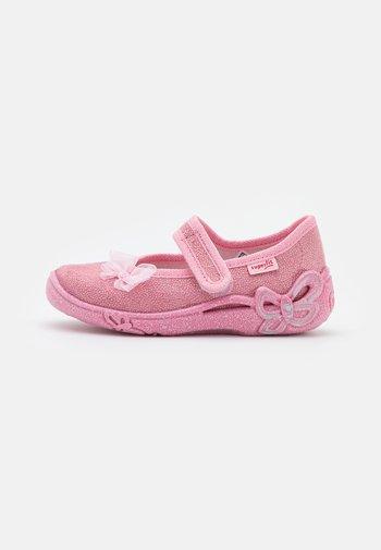 BELINDA - Pantoffels - rosa