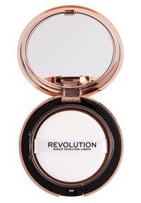 Makeup Revolution - CONCEAL & DEFINE POWDER FOUNDATION - Foundation - p10 - 2