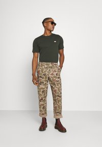 Dickies - MAPLETON - Basic T-shirt - olive green - 1