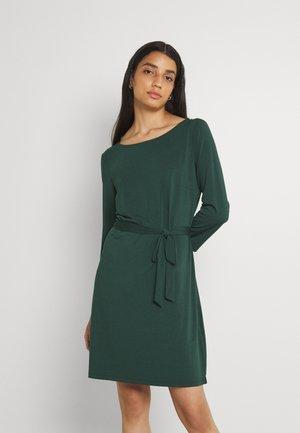 VIEBONI DRESS - Vestido ligero - darkest spruce