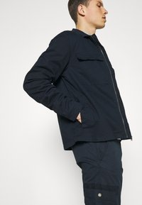 Lindbergh - PANTS - Cargo trousers - navy - 3