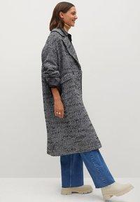 Mango - IN WICKEL-OPTIK - Classic coat - schwarz - 4