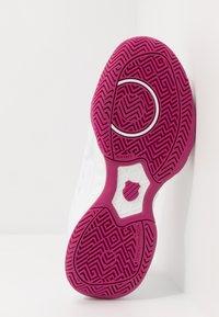 K-SWISS - BIGSHOT LIGHT 3 - Multicourt tennis shoes - white/cactus flower - 4