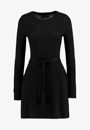 COZY DRESS - Strikket kjole - black