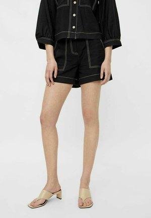 YASLENO - Shorts - black