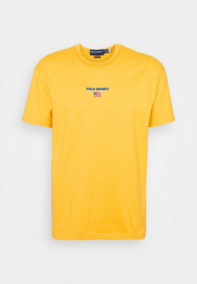 SHORT SLEEVE - T-shirt med print - chrome yellow