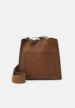 UMHÄNGETASCHE RAQUEL - Across body bag - caramel/cognac