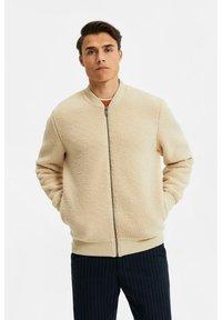 WE Fashion - Fleece jacket - beige - 0