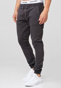 INDICODE JEANS - FIELDS - Trousers - raven - 3