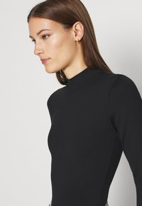 Abercrombie & Fitch - SEAMLESS MOCK BODYSUIT  - Long sleeved top - black - 4