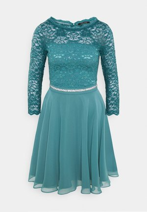 Sukienka koktajlowa - hydro