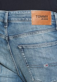 Tommy Jeans - SCANTON SLIM - Slim fit jeans - portobello mid blue comfort - 4