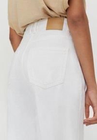 PULL&BEAR - Straight leg jeans - white - 4