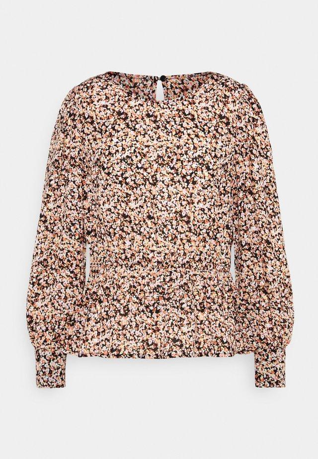 MERILA RIKKELIE - Langærmede T-shirts - apricot