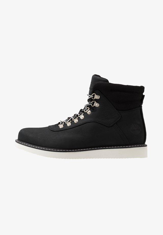 NEWMARKET BOOT - Botines con cordones - black
