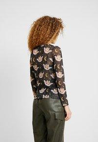 Monki - SILVANA - Maglietta a manica lunga - black dark - 2