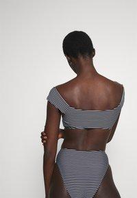 Seafolly - COLD SHOULDER BANDEAU - Bikini top - black/white - 2
