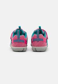 Keen - CHANDLER CNX - Hiking shoes - bright pink/lake green - 2
