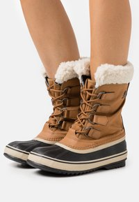 Sorel - CARNIVAL - Winter boots - camel brown - 0
