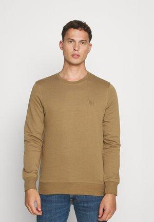 JPRBLASTUDIO CREW NECK - Sweatshirt - dark coat khaki