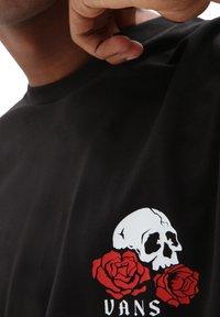 Vans - MN ROSE BED SS - Print T-shirt - black - 2