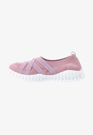 DAWA - Mocassins - pink