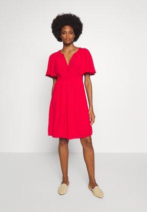 LAFORTUNE - Denní šaty - lipstick