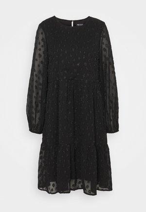 PCPERSILLA MIDI DRESS - Denní šaty - black