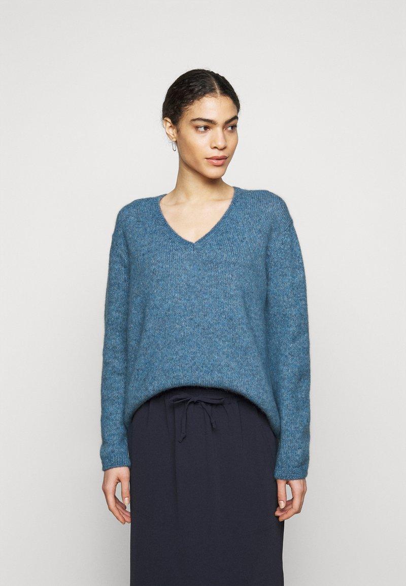 CLOSED - Svetr - commodore blue