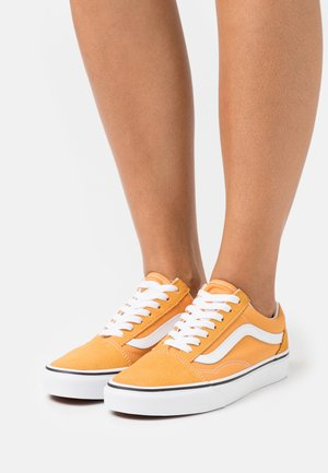 OLD SKOOL - Sneakers laag - golden nugget/true white