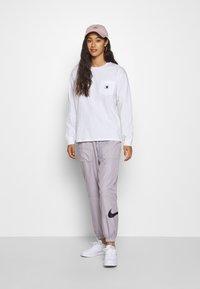 Carhartt WIP - POCKET - Long sleeved top - white - 1