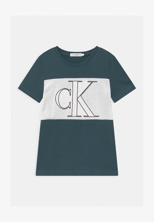 COLOUR BLOCK MONOGRAM  - T-shirt print - blue