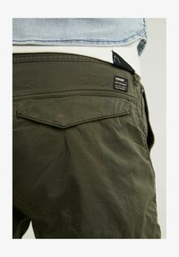 CHASIN' - Cargo trousers - green - 3