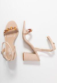 RAID - GIANNI - Sandály na vysokém podpatku - nude - 3