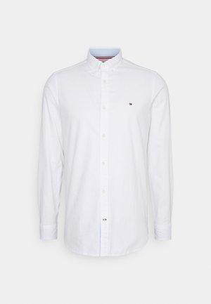 SLIM FLEX DOBBY - Košile - white