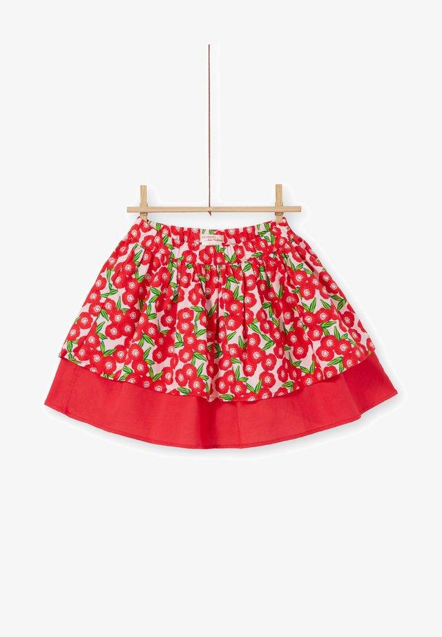 Falda acampanada - red