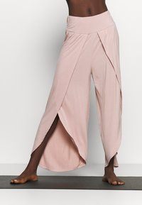 South Beach - WRAP SPLIT YOGA PANT - Tracksuit bottoms - adobe rose - 0