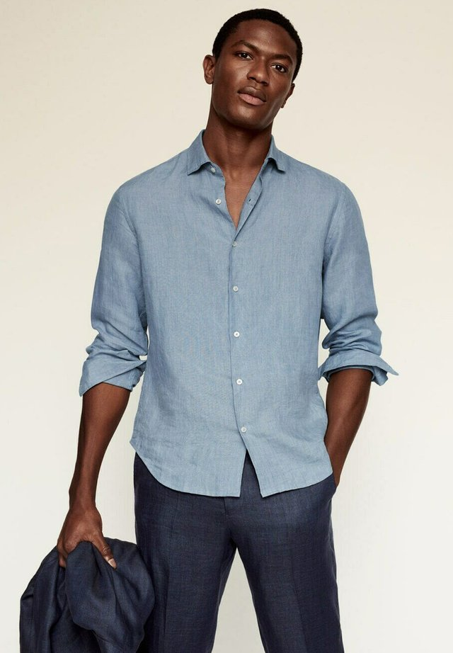 REGULAR FIT - Shirt - sky blue